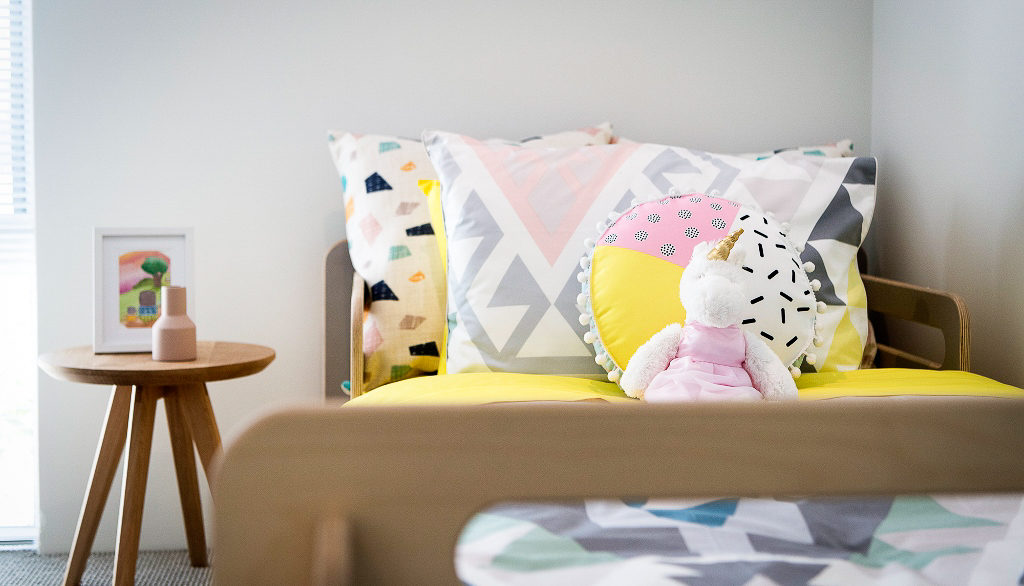 Colourful bedroom for style inspiration